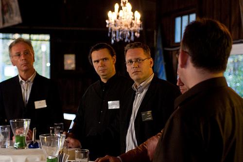 Artikelbild für: EventWerker Treffen im Bootshaus Ruhr Atoll: Podiumsdiskussion zu Sicherheit bei Veranstaltungen!