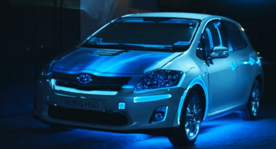 "Artikelbild für: 3D Projection Mapping: Toyota Auris Hybrid ""Get Your Energy Back"""