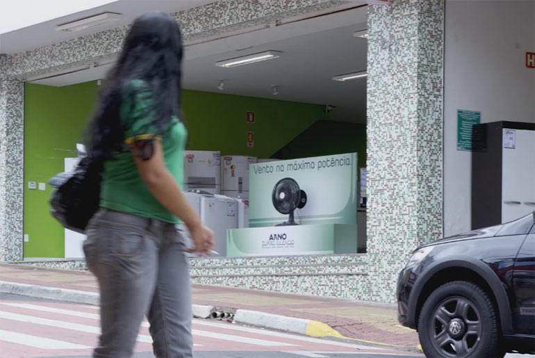 pos-guerilla-aktion-ventilator-brasilien
