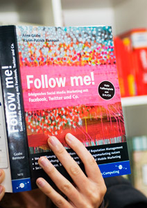 Artikelbild für: Social-Media Buch Tipp: Follow me! Erfolgreiches Social-Media Marketing mit Facebook, Twitter & Co.