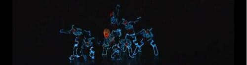 Artikelbild für: LED Tanz-Inszenierung – Tron Inspired Light Suit Dance Routine