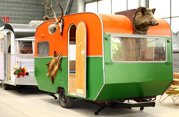 Artikelbild für: Camping & Wohnwagen Hotel in Bonn: Base Camp