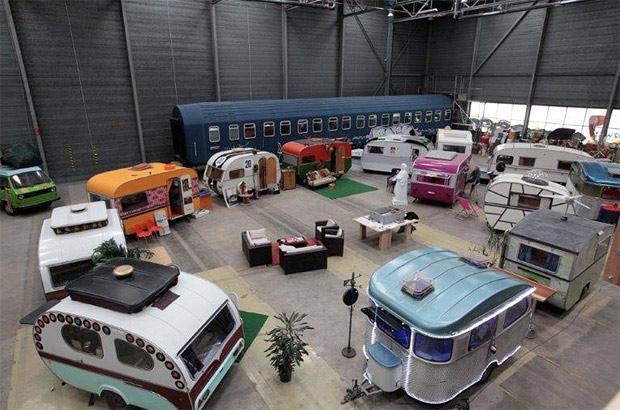 camping wohnwagen hotel in bonn base camp. Black Bedroom Furniture Sets. Home Design Ideas