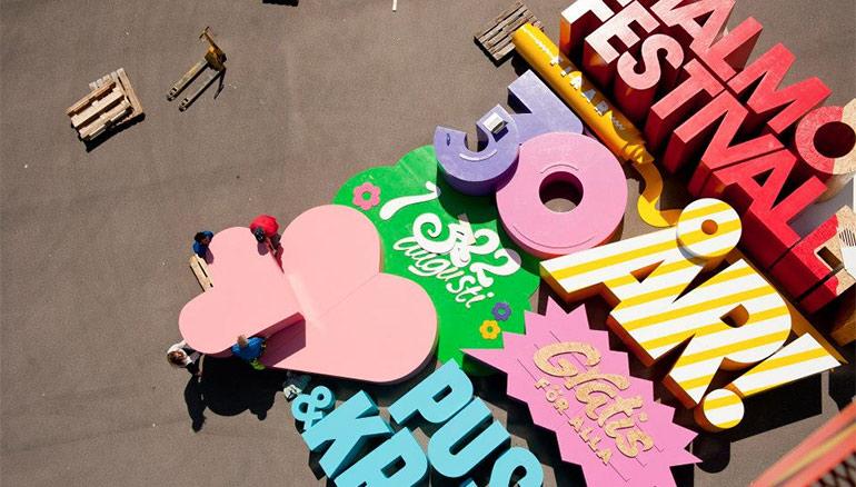 Artikelbild für: 2 in 1: Festival-Poster und begehbare Event-Installation
