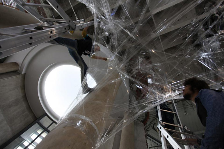 installation-numen-for-use-paris-aufbau2