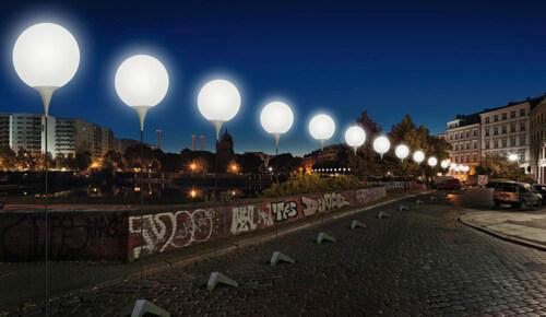 Artikelbild für: Lichtgrenze: Lichtinstallation zum 25. Jahrestag des Mauerfalls