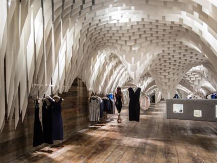 Artikelbild für: Eine surreale und doch natürliche Höhlenlandschaft: Shopdesign von 3Gatti