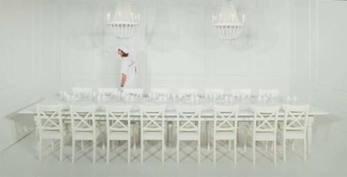 Artikelbild für: Eine Tischgestaltung als bunter & wilder Prozess – von David Stark Design
