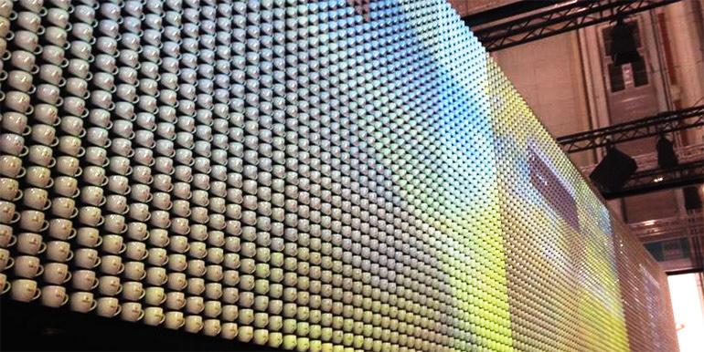 tassen-als-projektionsflaeche