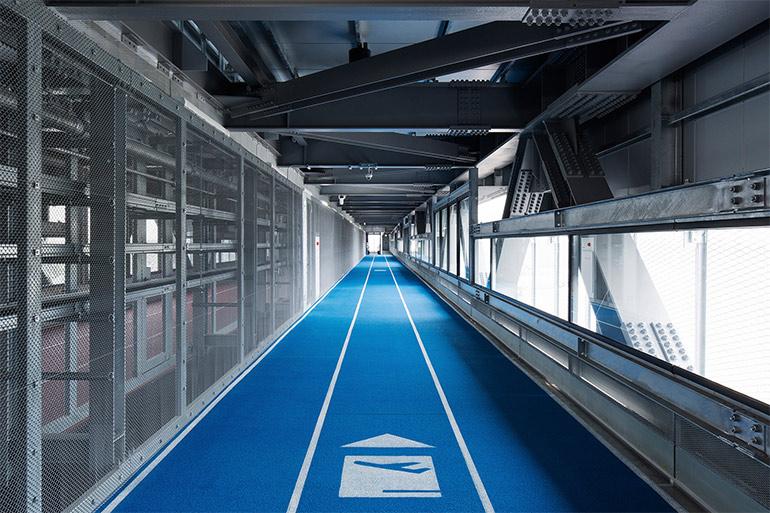 raumdesign-tokyo-flughafen-leitsystem-olympia-laufbahnen2