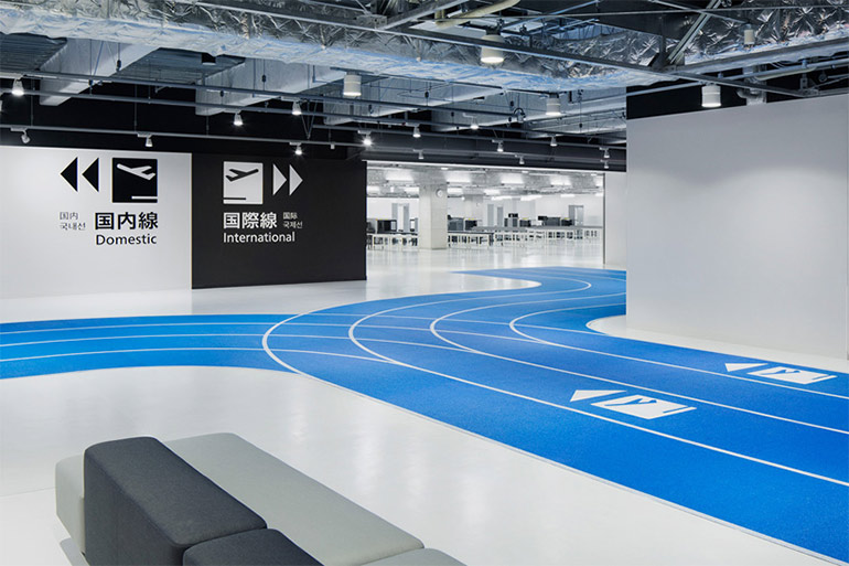 raumdesign-tokyo-flughafen-leitsystem-olympia-laufbahnen5