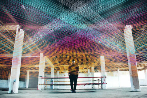 """Artikelbild für: """"Synth Series"""" – Musik als visuelle, räumliche Dimension"""
