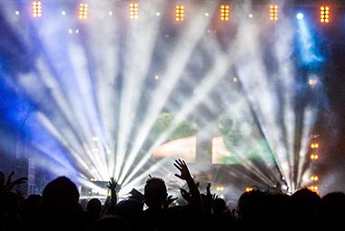 Artikelbild für: Live-Streaming & Social Media sind Anreize für mehr Eventbesucher und Ticketkäufe