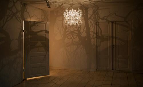Artikelbild für: Event & Raum Design Ideen: wie Schatten Atmosphäre erzeugen und Geschichten erzählen