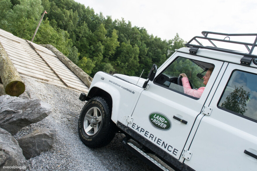 Artikelbild für: Fotos vom Destinations Circle im Land Rover Experience Center