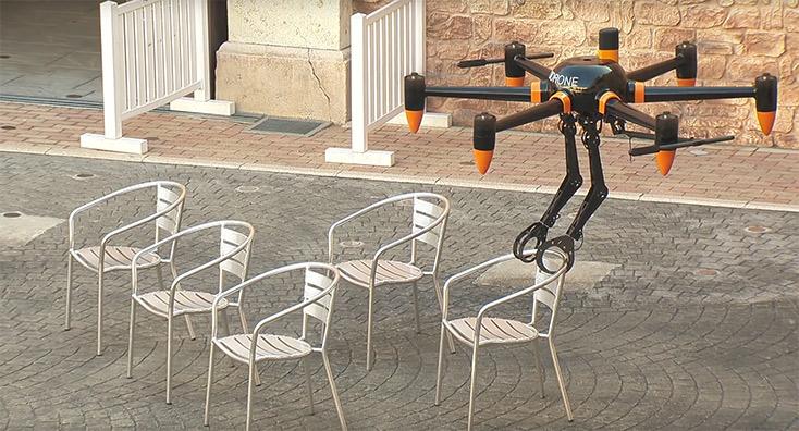 drohne-mit-zwei-roboterarmen-prodrone