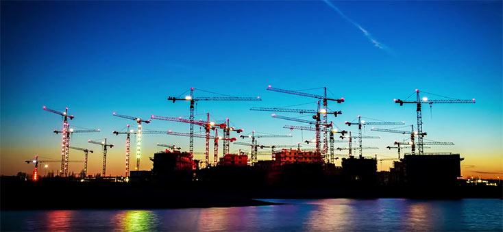 Artikelbild für: Performance aus 40 Baukränen – Inszenierung einer Baustelle