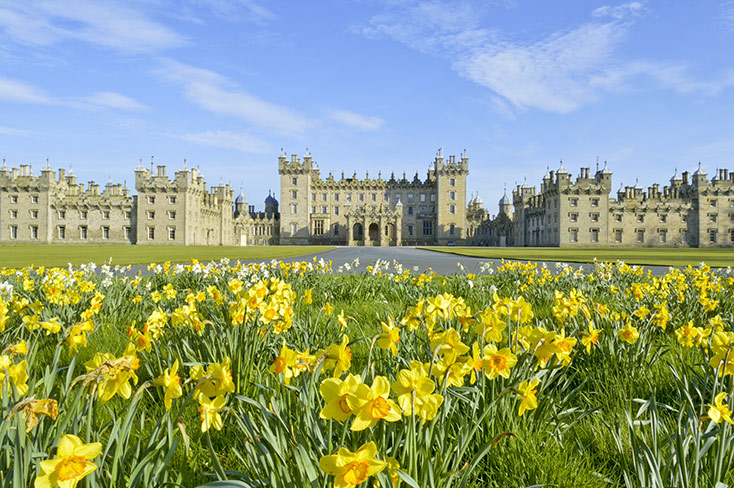 28-floors-castle-spring-time_copyright-floors-castle