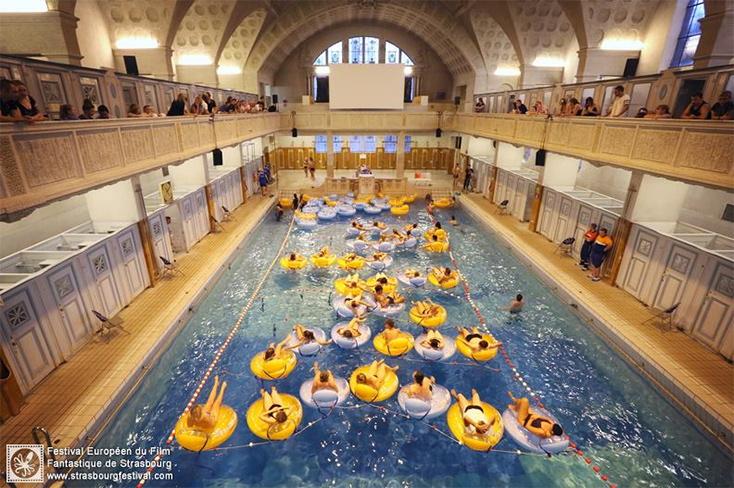 der-weisse-hai-im-schwimmbad-strassburg-filmfestival