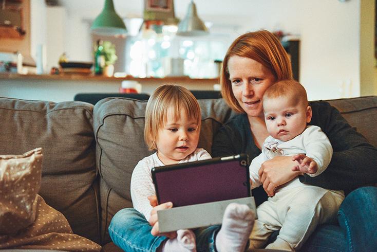 Artikelbild für: Vereinbarkeit von Familie und Beruf in Agenturen – Probleme und Lösungen