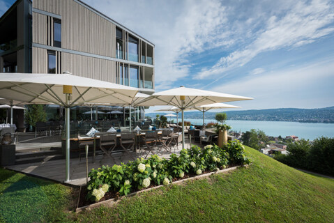 Artikelbild für: Tagungen & Events mit einem der schönsten Ausblicke über den Zürichsee – im Hotel Belvoir