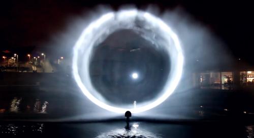 Artikelbild für: Faszinierende Projektion auf Wasserpartikeln: Constellations von Joanie Lemercier