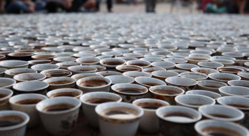 Artikelbild für: ŠTO TE NEMA: Ein Denkmal aus ungetrunkenen Kaffeetassen