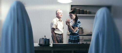 """Artikelbild für: Theater & Technologien: """"Ghosts, Toast und Things Unsaid"""" lässt Gedanken hörbar werden"""