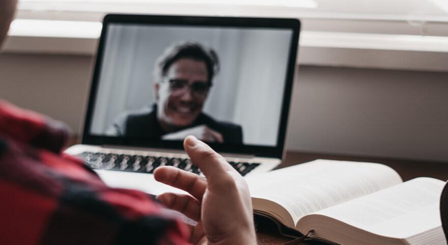 Artikelbild für: Welches Videochat-Programm ist das beste? Stiftung Warentest vergleicht 12 Tools