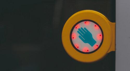 Artikelbild für: Corona: Technologien und Beispiele für kontaktlose, interaktive Medienstationen