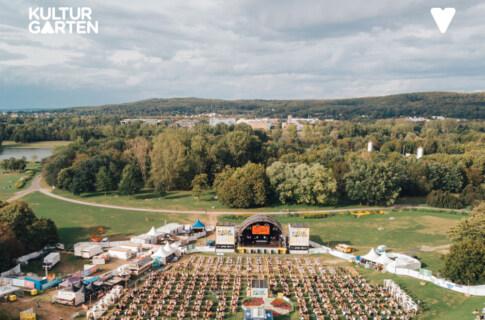 Artikelbild für: Open-Air Sommer: Keine Menschenmassen, dafür Gemütlichkeit – BonnLive Kulturgarten