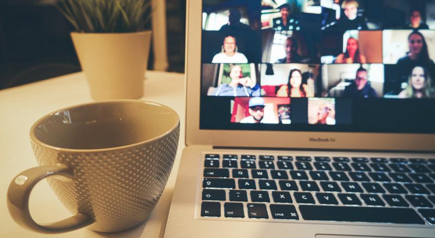 Artikelbild für: Interaktive Online-Meetings: 5 Ideen & Methoden, um TeilnehmerInnen effektiv einzubinden
