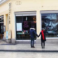 """Artikelbild für: Straßen-Aktion: """"UNBREAK – genauer hinsehen & häusliche Gewalt durchbrechen"""""""